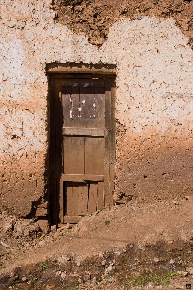 Maison en terre dans les Andes