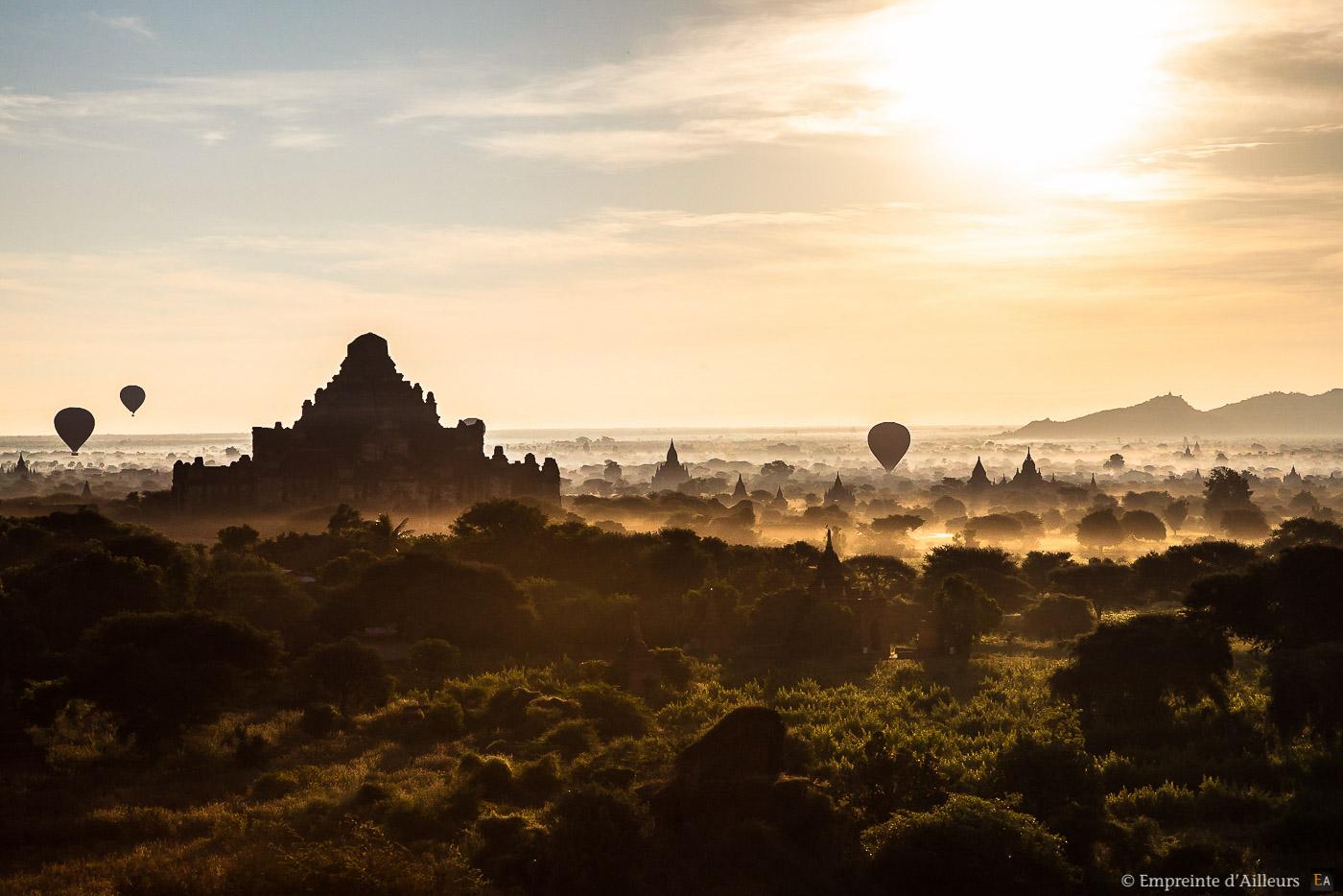 Brume sur Bagan