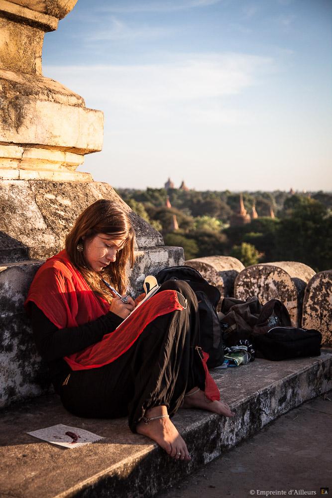 La carnettiste à Bagan