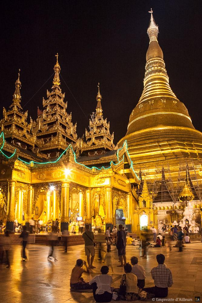 Mille feux de la pagode Shwedagon