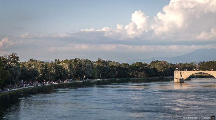 Pont d'Avignon et Barthelasse pendant les concerts du Festival Résonance