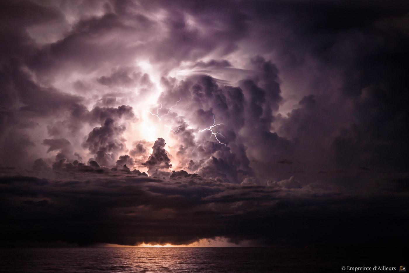 Couché de soleil orageux