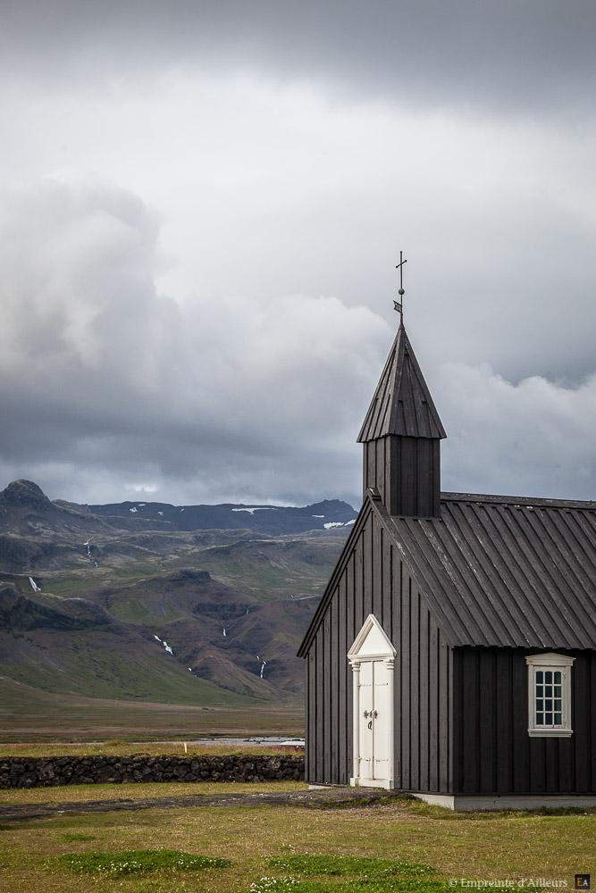 Eglise noir de Búðir