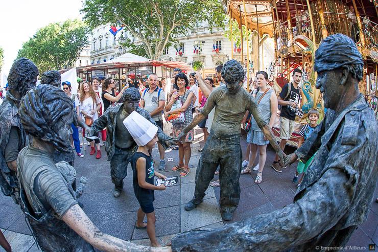 Parade du festival off d 39 avignon empreinte d 39 ailleurs - Avignon off 2017 programme ...
