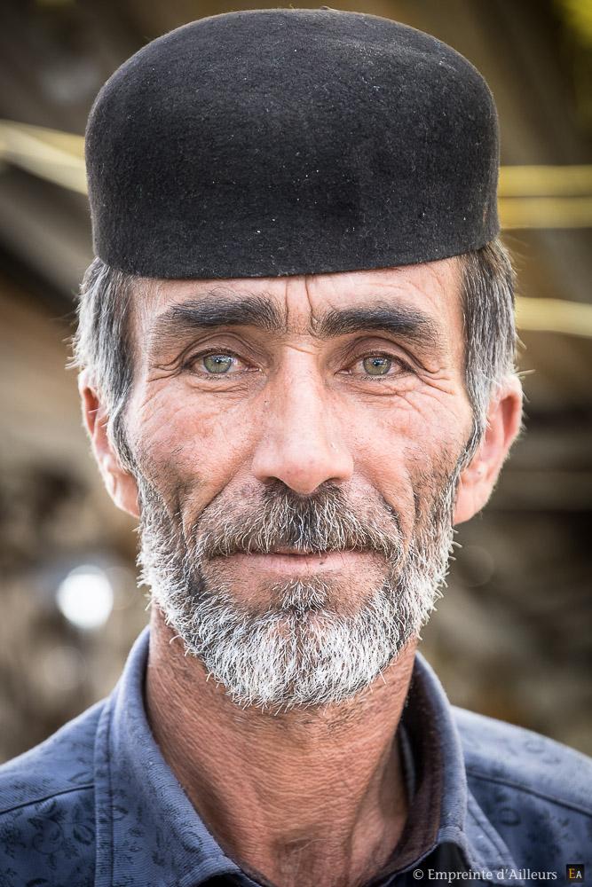 Bakhtiari aux yeux verts